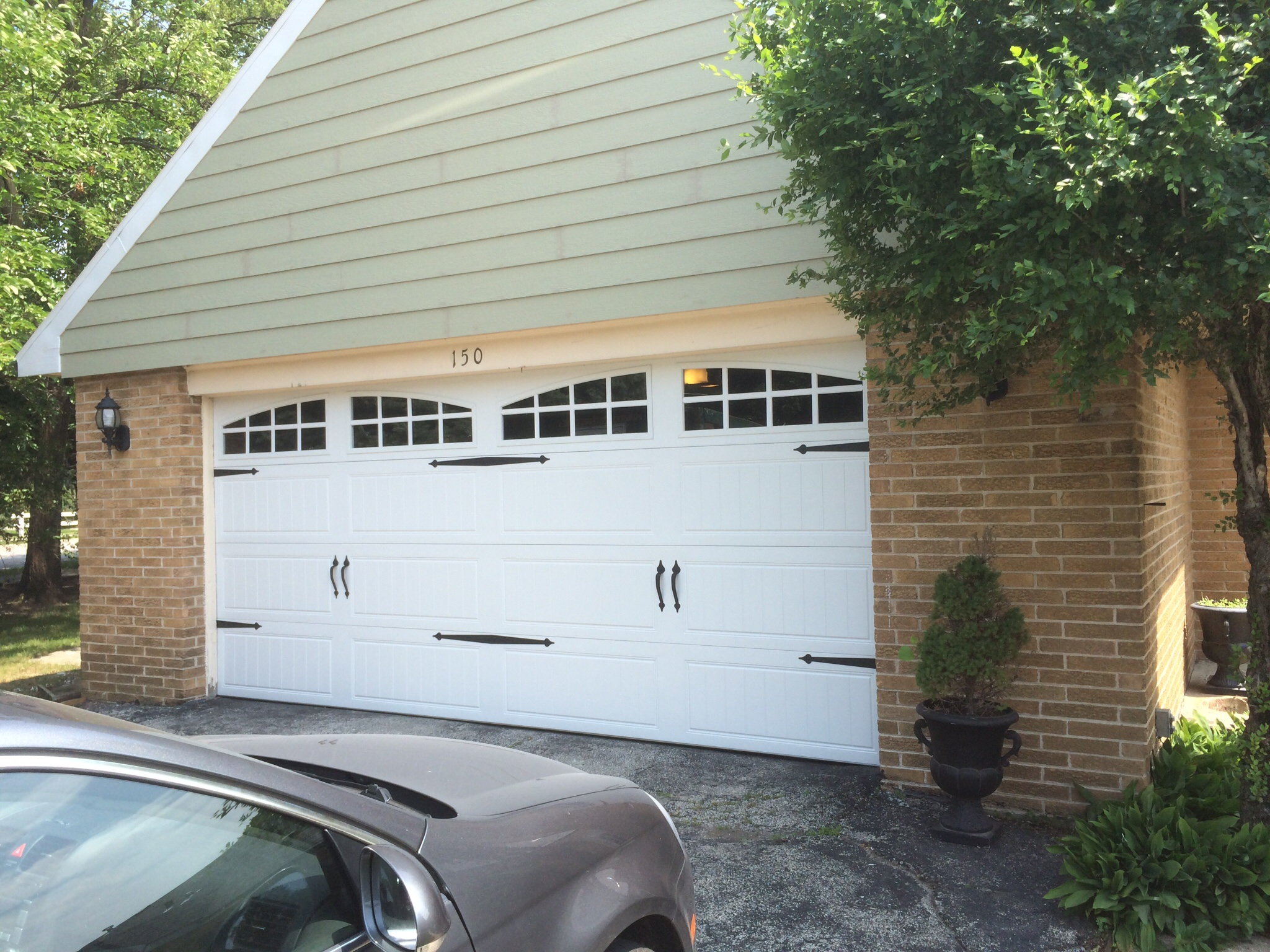 Residential garage door repair service in chicago kg for Residential garage door repair
